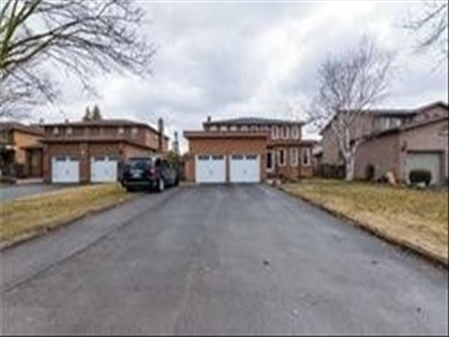 25 Kersey Cres Richmond Hill